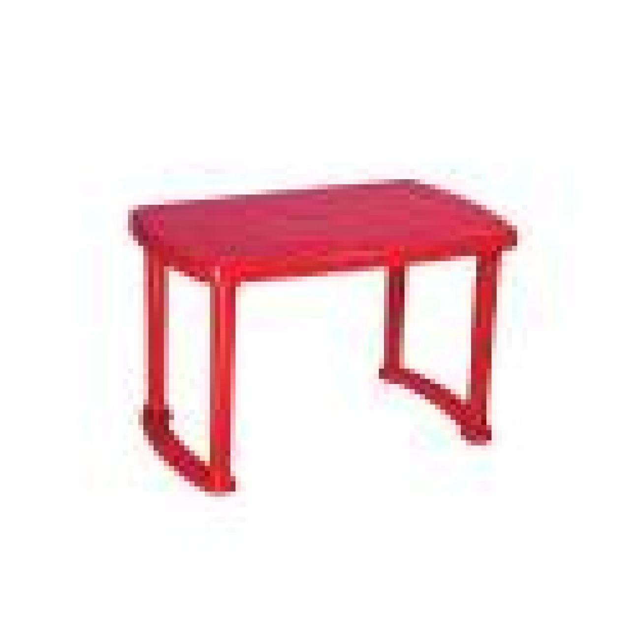 Molded_Plastic_Tables