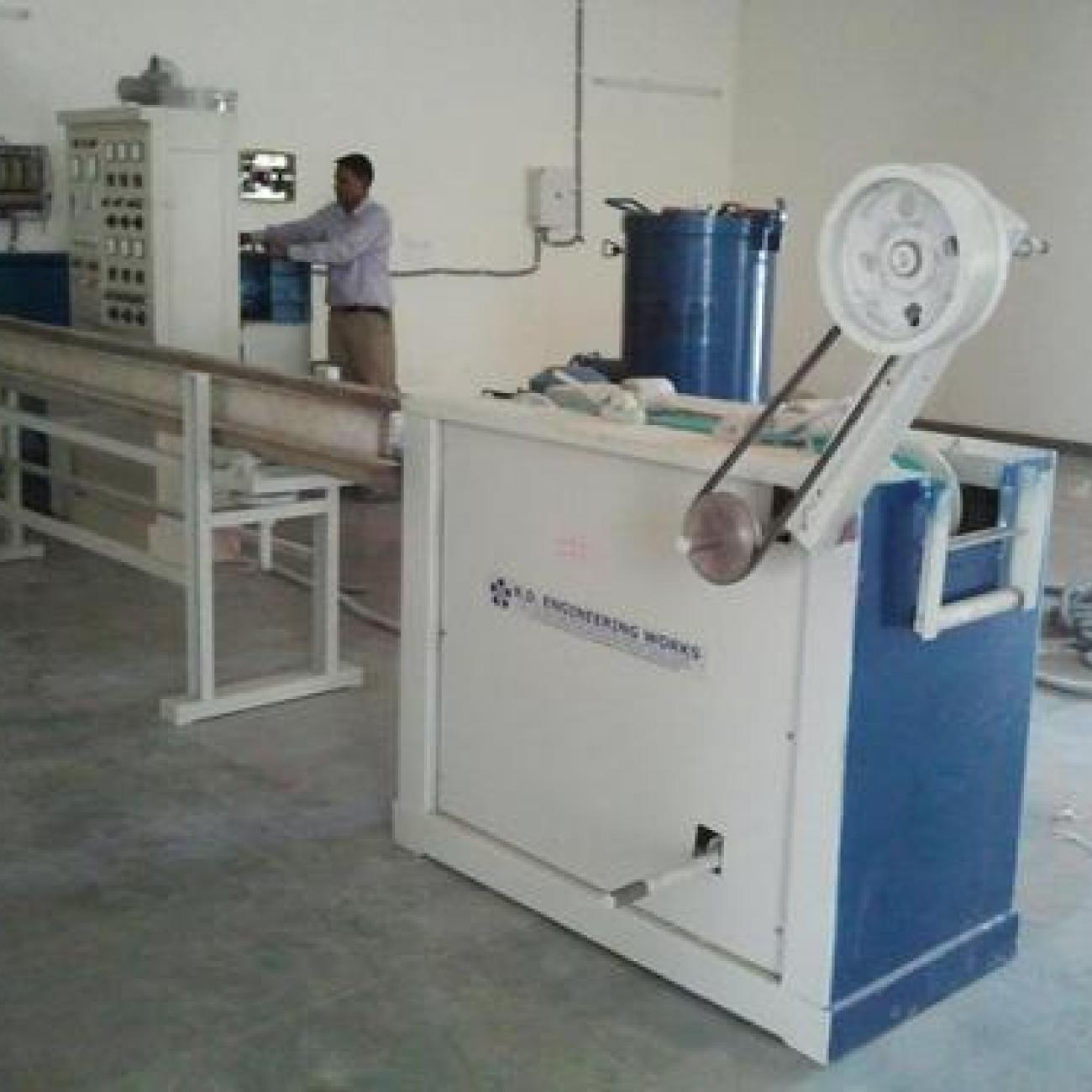 R.D.ENGINEERING WORKS PVC Tube Extruder